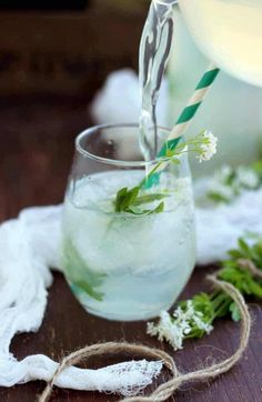 15 Refreshingly Healthy Mocktail Recipes - EA Stewart | Spicy RD Nutrition Vegan Recipes Easy Healthy, Vegan Breakfast Recipes, Vegan Food, Vegetarian Recipes, Sparkling Drinks, Cocktails, Sweet Woodruff, Happy Kitchen, Non Alcoholic Drinks