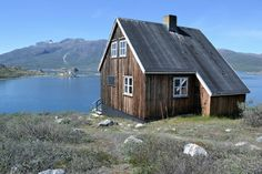 Cabin on a fjord in Kapisillit, Southern Greenland   http://freecabinporn.com/post/32800394456/cabin-on-a-fjord-in-kapisillit-southern