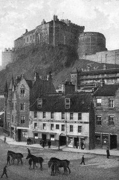 Old Photograph Grassmarket, Edinburgh, Scotland Old Town Edinburgh, Edinburgh Castle, Scotland Castles, Scottish Castles, Scotland Tours, Scotland Travel, Old Pictures, Old Photos, Antique Photos