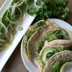 Guacamole, Deconstructed: A New Way to Eat Avocados and Tortillas | Shine Food - Yahoo! Shine