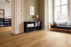 Edel und hochwertig! Die Parkett Landhausdiele Eiche Markant verleiht jedem Zimmer eine besonders elegante Natürlichkeit.