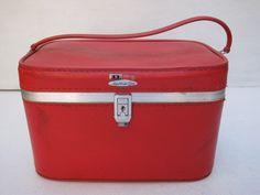 cdbb99aa75ce FeatherliteTrain Makeup Case Travel Bag Hard by SmartSquirrel