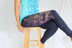 Magique les Lotus Yoga legging - Dragonfly, colibri, Boho, papillon monarque jambières. Fiery sérigraphie sur 4 couleurs. Jambières de bohèmes.