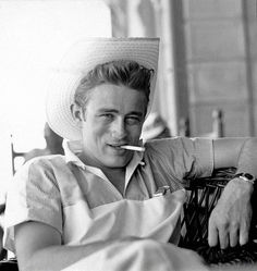 jamesdeaner:  James Dean photographed by Sid Avery on the set of Giant.