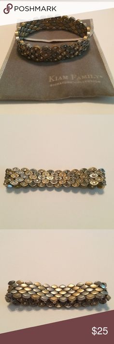 Gold and Silver Lia Sophia Braclet Reversible bracelet! Gold and silver with sparkle or flip it around and have a more simple look! From the Kiam Family collection from the Lia Sophia brand. Comes with original valet bag Lia Sophia Jewelry Bracelets