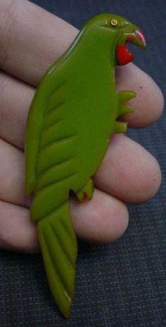 CARVED GREEN BAKELITE FIGURAL PARROT PIN