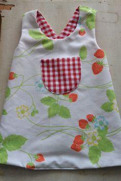 Newborn Baby Girl espagnol blanc smocks nœud barboteuse velours Babygrow Sleepsuit