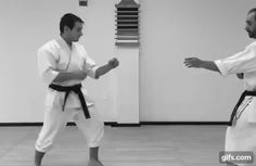 Basic long-range kick defence - Shotokan karate