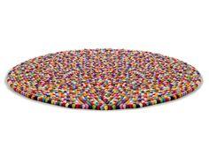Un tapis pour rassembler les couleurs différentes et casser le bleu trop présent