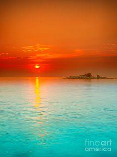 ✯ Sunrise over the sea - Con Dao, Vietnam