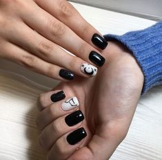#nails #design #moon #starsign #black