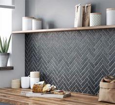 Kitchen Cabinet Design, Kitchen Backsplash, Kitchen Decor, Küchen Design, Tile Design, Design Ideas, Herringbone Tile, Slate Tiles, Gray Tiles