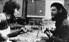 John Lennon with Che Guevara: funny, Lennon never dreamed to live in Havanna helping the 'revolution', instead he have fought to stay in the States; why not Cuba?