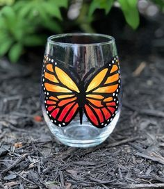 Monarch butterfly hand-painted stemless wine glass/monarch butterfly glasses/monarch butterfly cups/butterfly wine glasses/READY TO SHIP Funny Wine Glasses, Stemless Wine Glasses, Painted Glass Bottles, Painted Wine Glasses, Glass Butterfly, Monarch Butterfly, Bottle Painting, Wine Bottle Crafts, Glass Art