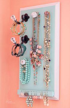 DIY easy jewelery organizer
