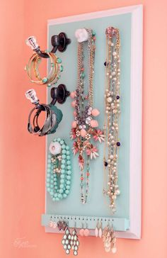 DIY easy jewelery organizer
