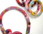 agnès mordancé© bracelets et collier laine feutrée motifs piquetés à l'aiguille, needle felted necklace and bangles