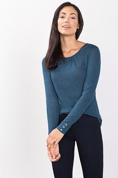Esprit / Woolly viscose top with decorative buttons