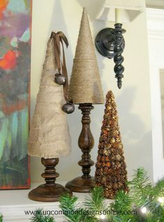 Find rustic Christmas craft ideas when you visit Rustic Christmas Crafts. Rustic craft projects using burlap, jute, rusty tin accents and pine cones. Includes pictures and site names to tutorials Rustic Christmas Crafts, Tabletop Christmas Tree, Rustic Crafts, Shabby Chic Christmas, Noel Christmas, Christmas Projects, Winter Christmas, Holiday Crafts, Burlap Crafts