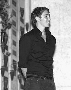 Lee Pace, looking fine. --- okay yes, he is #fine....but he so skinny!! I'd still hug em anyway... I mean who could resist lol!!