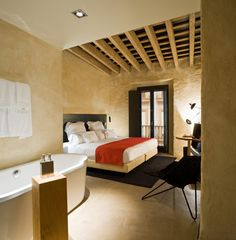 MY HOUSE IDEA: EME Catedral Hotel - MyHouseIdea http://www.davincilifestyle.com/my-house-idea-eme-catedral-hotel-myhouseidea/      In the heart of the historic landmark that is Sevilla, face to face with the Giralda and the biggest gothic cathedral in the world, there you find EME Catedral Hotel, a versatile, open and surprising designer Andalucian setting. The old and the new Sevilla at EME Catedral Hotel. A different look.                    Tradition and avant-garde unit