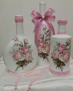 me ~ Pin em Garrafas decoradas ~ How neat and pretty Biscuits, Bottles, Crack Crackers, Cookies, Cookie Recycled Glass Bottles, Wine Bottle Art, Plastic Bottle Crafts, Wine Bottle Crafts, Mason Jar Crafts, Decoupage Jars, Decoupage Vintage, Bottle Centerpieces, Altered Bottles