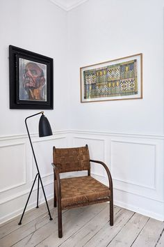 The woven chair from Frits Schlegel adds a vintage touch to the room. Mid Century Style, Mid Century House, Woven Chair, Natural Interior, Cozy Corner, Scandinavian Interior, Scandinavian Living, Modern Decor, Interior Decorating