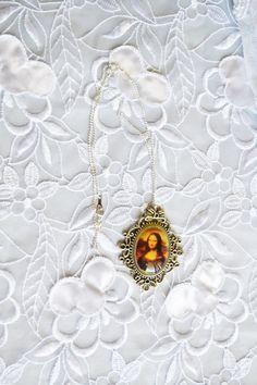 Mona Lisa Pendant Antique Silver Tone Matching by ESTATENOW