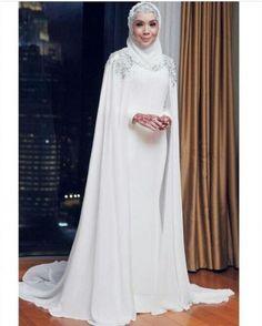 trendy bridal hijab veil muslim brides make up Muslim Wedding Gown, Muslimah Wedding Dress, Hijabi Wedding, Muslim Wedding Dresses, Muslim Brides, Dress Wedding, Wedding Hijab Styles, Bridal Hijab, Hijab Bride