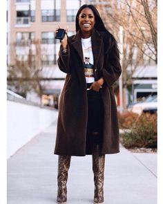 """""""What can we say— Palm is both functional *and* stylish. Fall Fashion Outfits, Fall Fashion Trends, Fashion Bloggers, Black Women Fashion, Curvy Fashion, Petite Fashion, Style Fashion, Cute Summer Outfits, Winter Outfits"""