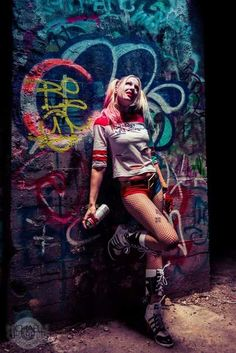This Suicide Squad Harley Quinn Cosplay Photoshoot is Crazy Good! [Pics]
