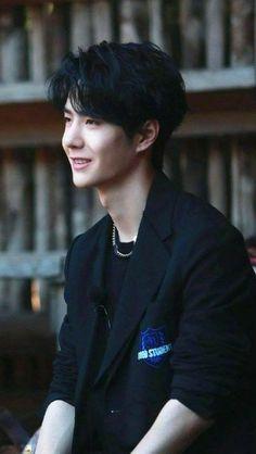 Asian Male Model, Male Models, Asian Actors, Korean Actors, Dramas, Korean Couple, Yuehua Entertainment, Street Dance, Perfect Boy