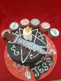 Cake Tv Show Crafts : 1000+ images about Supernatural cupcakes on Pinterest ...