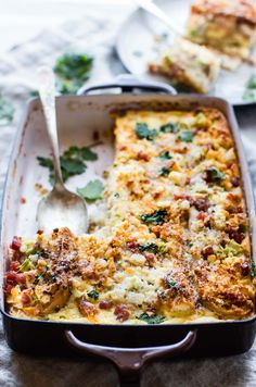 A Gluten Free French Bread Ham Breakfast Strata recipe --- A Breakfast Casserole you can make ahead or bake in 30 minutes. Layers of breakfast staples like eggs, French bread, ham, veggies, and more. Great for a gluten free Brunch or Holiday table! Ham Breakfast Casserole, Breakfast Recipes, Breakfast Strata, Breakfast Bake, Paleo Breakfast, Breakfast Ideas, Pastas Recipes, Quiche Recipes, Bread Recipes