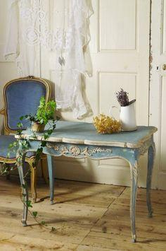 アンティーク 水色のコンソールテーブル  French Antique Console Table