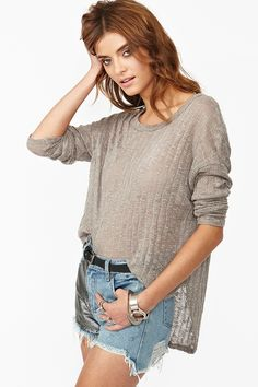I love the big comfy top with beat up shorts or pants!! Total my Style!!!