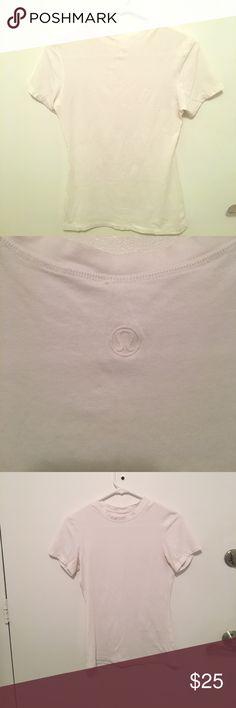 Lululemon Tee Shirt Size 6 EUC lulu tee lululemon athletica Tops Tees - Short Sleeve
