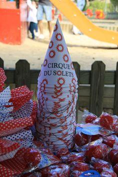 Mesa attrezzo para photo-call circo - fiesta cumpleaños Berta 3, en el parque