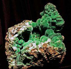 Malachite - Copper Queen X, Bisbee, Cochise Co., Arizona  mw