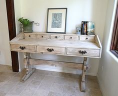 Super cute- I wonder if it's an up cycle….the legs look like an old kitchen table.  #design #desk #distress