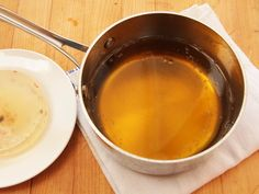 You can use gelatin to filter cruddy used deep-frying oil until it is crystal clear, and the technique is easier than any other method I know, requiring no wire strainers or coffee filters or extensive clean-up.