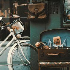 A Place for Valued Vintage Items by Plunderific on Etsy Colour Pallete, Colour Schemes, Color Combos, Color Palettes, Vintage Farmhouse Decor, Color Balance, Design Seeds, Color Theory, Pantone