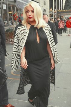 Lady Gaga Street Style Lady Gaga Outfits, Lady Gaga Fashion, Seashell Bikinis, Lady Gaga Pictures, Img Models, A Star Is Born, Kate Hudson, Kylie Minogue, Christina Hendricks