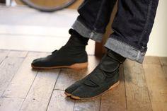I would like tabi boots.