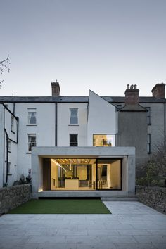 Morehampton Road / ODOS Photos © Ste Murray - Fragments of architecture Japanese Architecture, Architecture Design, Interlocking Flooring, Internal Courtyard, Victorian Terrace, House Extensions, Glass House, Minimalism, Modern Design