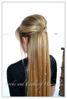 Locks and Locks of Hairstyles: Quick and Easy Video Tutorials: Elegant 1/2 UP Do
