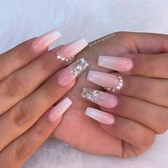 One of the must-have nail trends for 2020 are baby boomer nails. It is like a French manicure but the colors are blended and have an ombre effect. Baby Pink Nails Acrylic, Pink Ombre Nails, Simple Acrylic Nails, Best Acrylic Nails, Gold Nails, Simple Nails, Pastel Nails, Black Nails, Cute Acrylic Nail Designs