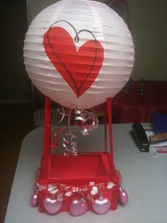Hot air balloon valentine box - such an original idea!!!