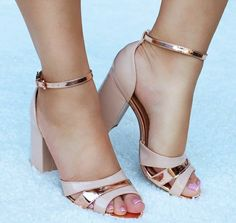 Modest Comfortable Shoes from 24 of the Flawless Comfortable Shoes collection is the most trending shoes fashion this winter. This Flawless Comfortable Shoes look was carefully discovered by our… Pretty Shoes, Beautiful Shoes, Cute Shoes, Dream Shoes, New Shoes, Shoe Boots, Shoes Heels, Sneaker Heels, Summer Shoes