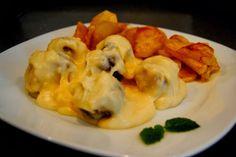 Albóndigas con hierbabuena en salsa de parmesano | Canela y Naranja
